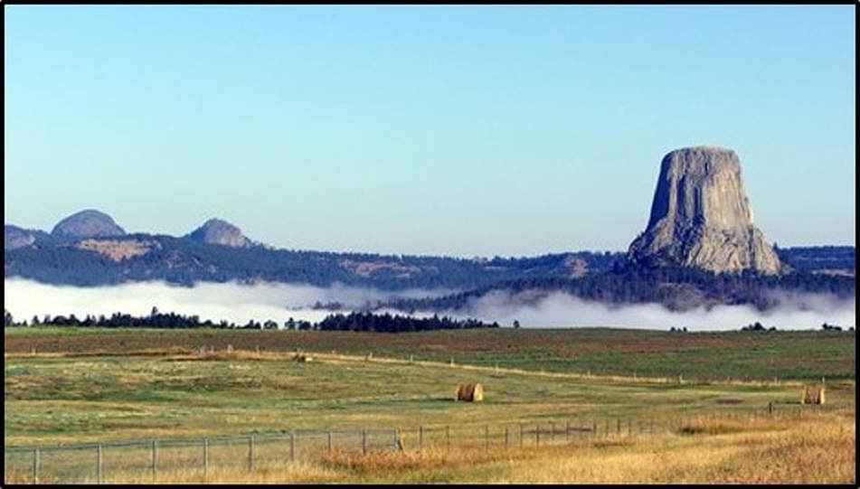 Picture of Devils Tower and Missouri Buttes Eocene alkaline magmatic intrusions