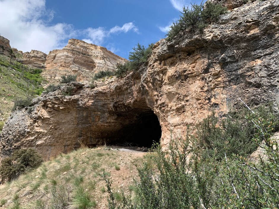 Picture of Outlaw Cave No. 2 along the Middle Fork of the Powder River, Johnson County, Wyoming