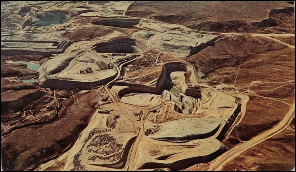 Picture of Gas Hills open pit uranium mine, Wyoming