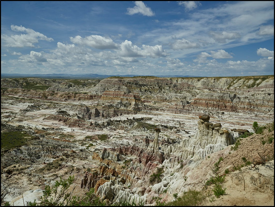 Picture of Eocene Wind River Formation badlands at Hells Half Acre, Natrona County, Wyoming