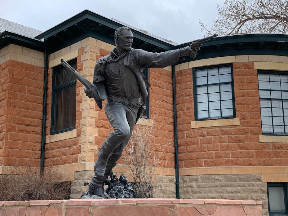 Picture of Nate Champion bronze statue, hero of Johnson County War, Buffalo, Wyoming